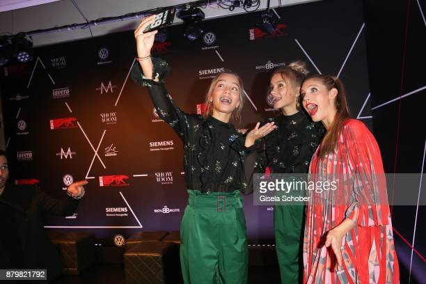 Lisa and Lena Influencer of the year and Viviane Geppert during the New Faces Award Style 2017 at 'The Grand' hotel on November 15 2017 in Berlin...