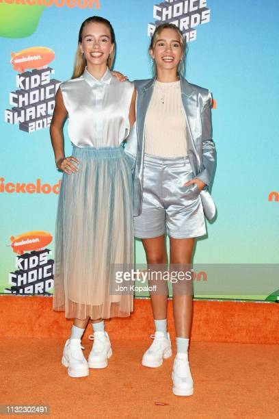 Lisa and Lena Mantler attends Nickelodeon's 2019 Kids' Choice Awards at Galen Center on March 23 2019 in Los Angeles California