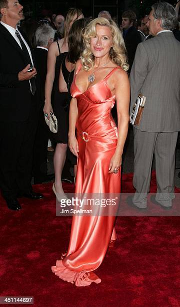Lisa Ann Walter during War of the Worlds New York City Premiere Outside Arrivals at Ziegfeld Theatre in New York City New York United States