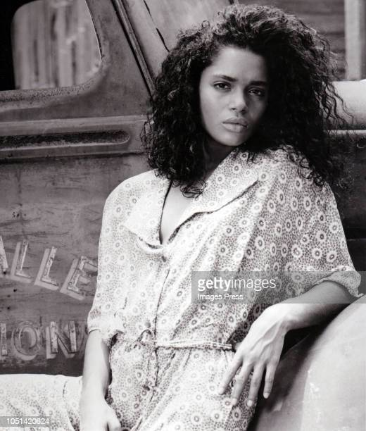 Lisa Bonet plays Epiphany Proudfoot a young woman involved with the occult who Harry Angel encounters in his search for a mysterious big band singer