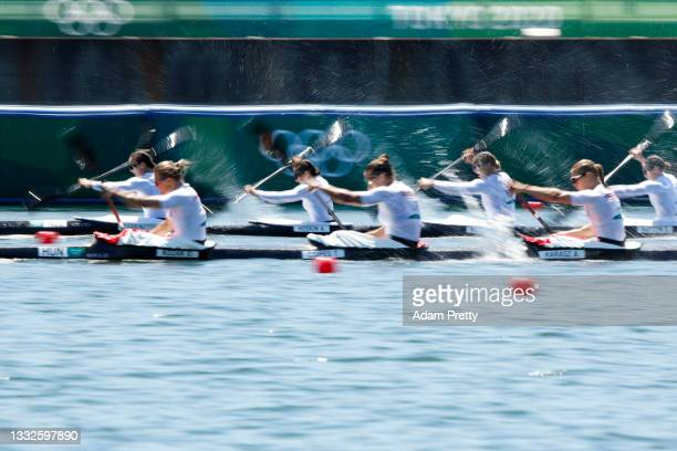 Lisa Carrington, Alicia Hoskin, Caitlin Regal and Teneale Hatton of Team New Zealand compete against Danuta Kozak, Tamara Csipes, Anna Karasz and...