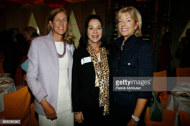 Lisa Cashin Marlene Hess and Liz Peek attend JEAN SHAFIROFF hosts a luncheon for THE NEW YORK WOMEN'S FOUNDATION at Le Cirque on September 17 2009 in...