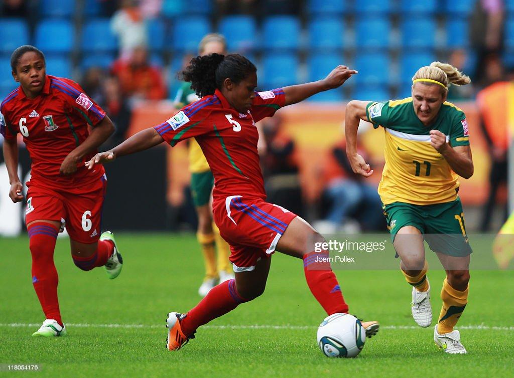 Australia v Equatorial Guinea: Group D - FIFA Women's World Cup 2011 : Fotografia de notícias