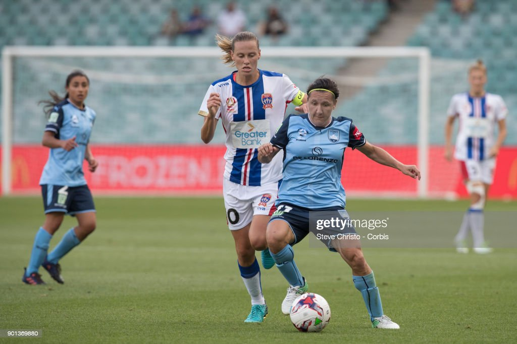 Lisa De Vanna of Sydney FC battles for the ball with Jets Emily Van Egmond during the round ten W-League match between the Sydney FC and Newcastle Jets FC at Allianz Stadium on January 3, 2018 in Sydney, Australia.