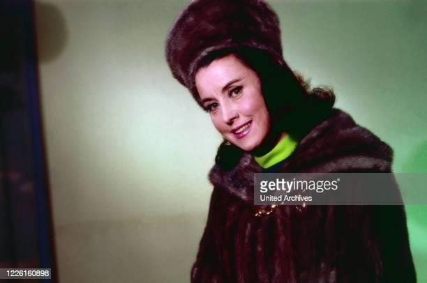 Lisa della Casa, Schweizer Opernsängerin, Deutschland 1960er Jahre. Swiss opera singer Lisa della Casa, Germany 1960s.