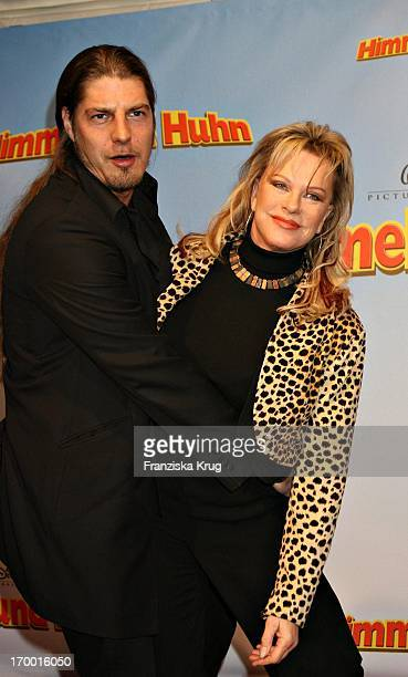 """Lisa Fitz And Peter Knirsch On In """"Heaven And Chicken"""" premiere in the forum at the German Museum in Munich 220106."""