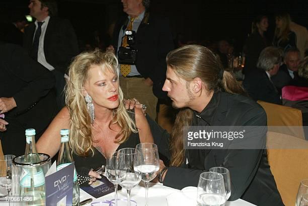 Lisa Fitz Mit Begleitung Peter Knirsch Beim Gala Abend Dvd Night Im Arabella Sheraton In München Am 301003