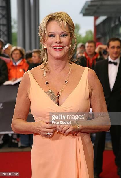 Lisa Fitz RTLGala Verleihung 9 Deutscher Fernsehpreis Coloneum Köln NordrheinWestfalen Deutschland Europa roter Teppich Dekollete Schauspielerin...