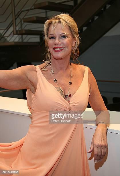Lisa Fitz RTLGala Verleihung 9 Deutscher Fernsehpreis Coloneum Köln NordrheinWestfalen Deutschland Europa Kette Halskette Schmuck Promi BB CD PNr...