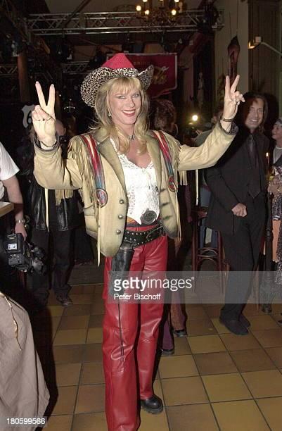 Lisa Fitz50 Geburtstag von Lisa Fitz Wirtshaus zum Schlachthof München Bayern Feier Party MottoBorn to be wild Hut VictoryZeichen 682/2001