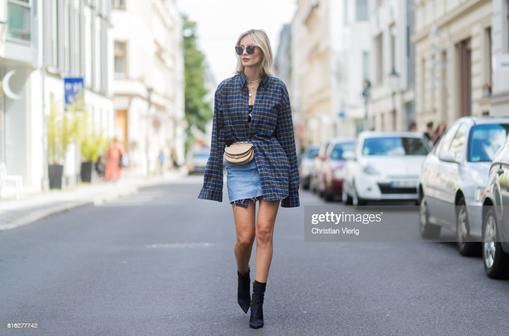 Street Style In Berlin - July 2017 : Photo d'actualité