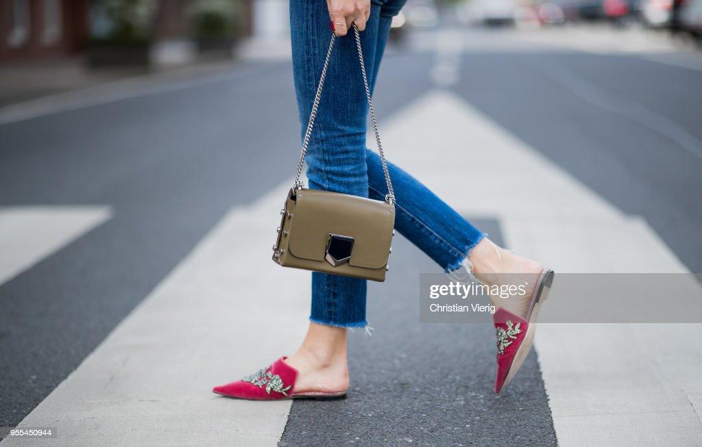 Street Style - Duesseldorf - May 3, 2018 : Nachrichtenfoto