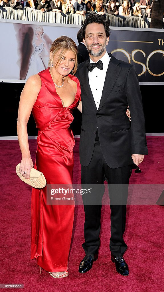 Lisa Heslov and producer Grant Heslov arrive at the Oscars at Hollywood & Highland Center on February 24, 2013 in Hollywood, California.