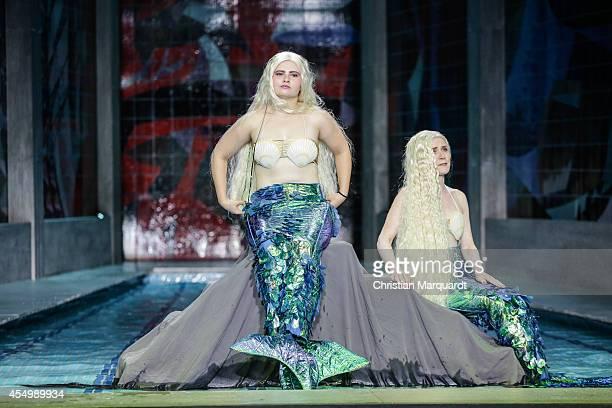 LIsa Hrdina and Natalia Belitski perform on stage during rehearsals for 'Tabula Rasa Gruppentanz und Klassenkampf' at Deutsches Theater on September...