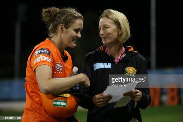 Lisa Keightley coach of the Scorchers talks with Natalie Sciver of the Scorchers during the Women's Big Bash League match between the Perth Scorchers...