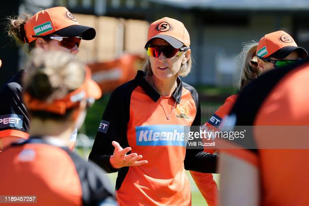 Lisa Keightley head coach of the Scorchers speaks to the team during the Women's Big Bash League match between the Sydney Sixers and the Perth...