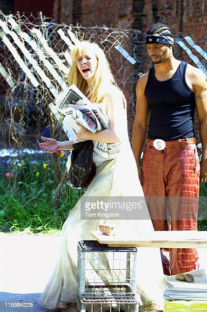Lisa Kudrow and Damon Wayans during Filming 'Marci X' in New York City on April 23 2001 at New York City in New York City New York United States
