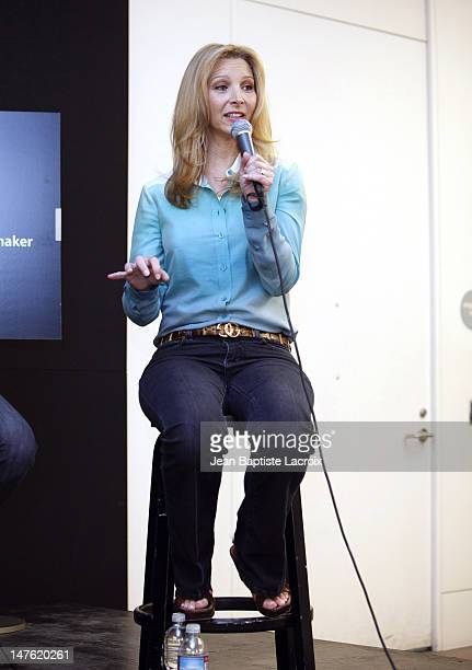 Lisa Kudrow discusses new web series 'Web Therapy' at the Apple Store at the Apple Store Third Street Promenade on June 25 2009 in Santa Monica...