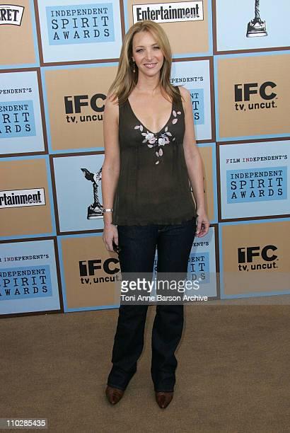 Lisa Kudrow during Film Independent's 2006 Independent Spirit Awards Arrivals in Santa Monica California United States