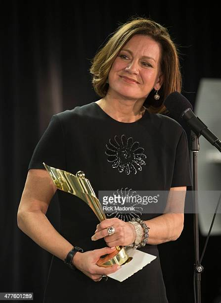 TORONTO MARCH 9 Lisa LaFlamme wins her CSA award at the Sony Centre for Performing Arts on March 9 2014 The show is hosted by Martin Short