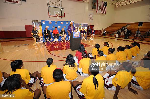 Lisa Leslie of the Los Angeles Sparks speaks to participants at the Project Rebound clinic on August 27 2008 at Morningside High School in Inglewood...