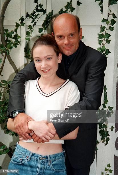 Lisa Maria Potthoff und Ulrich GebauerARD Serie Bei Aller Liebe
