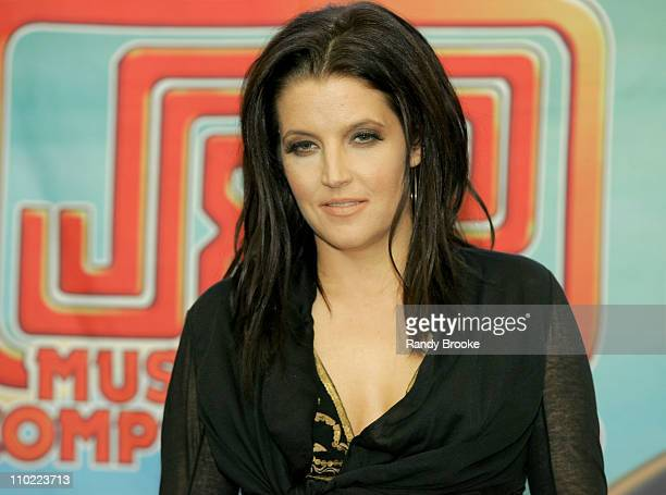 Lisa Marie Presley during Lisa Marie Presley Visits J and R Music World - May 19, 2005 at J and R Music World Store in New York, New York City,...