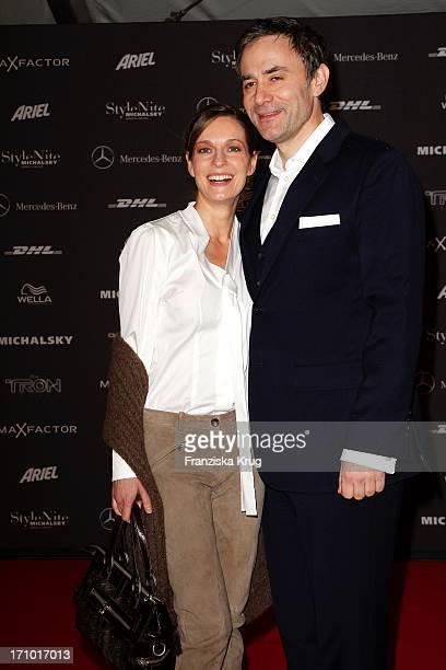 Lisa Martinek Mit Ehemann Giulio Ricciarelli Bei Der Ankunft Zur Michalsky Stylenite Im Tempodrom In Berlin Am 210111