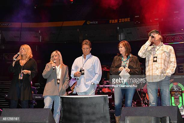 Lisa Matassa Jett Williams TG Sheppard Suzy Bogguss and Tracy Lawrence perform during rehearsals of Playin' Possum The Final No Show Tribute To...