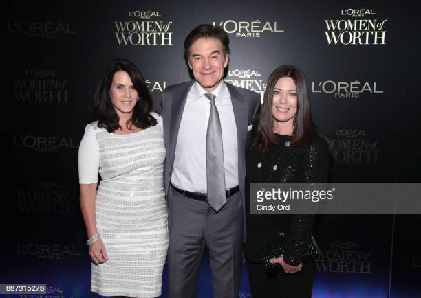 Lisa Oz Dr Mehmet Oz and Gretchen Holt Witt attend the L'Oreal Paris Women of Worth Celebration 2017 on December 6 2017 in New York City