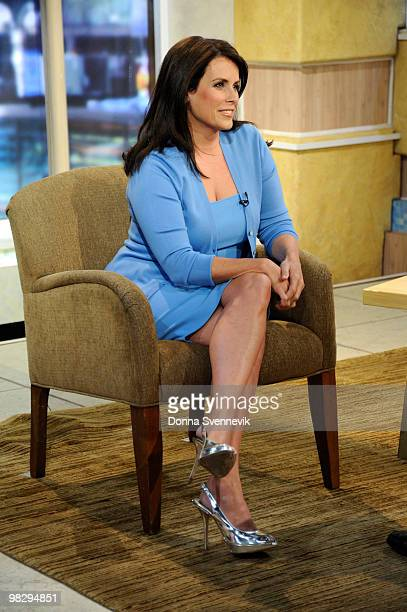AMERICA Lisa Oz offers tips from her new book Us to improve personal relationships on GOOD MORNING AMERICA 4/6/10 airing on the Walt Disney...