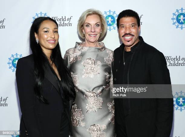 Lisa Parigi World of Children CoFounder Kay Isaacsonleibowitz and Lionel Richie attend the 2018 World of Children Hero Awards Benefit at Montage...
