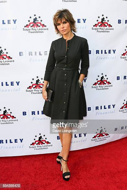 Lisa Rinna arrives at the 7th Annual Big Fighters Big Cause Charity Boxing Night Benefiting The Sugar Ray Leonard Foundation at The Ray Dolby...