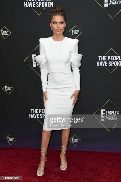 Lisa Rinna attends the 2019 E People's Choice Awards at Barker Hangar on November 10 2019 in Santa Monica California