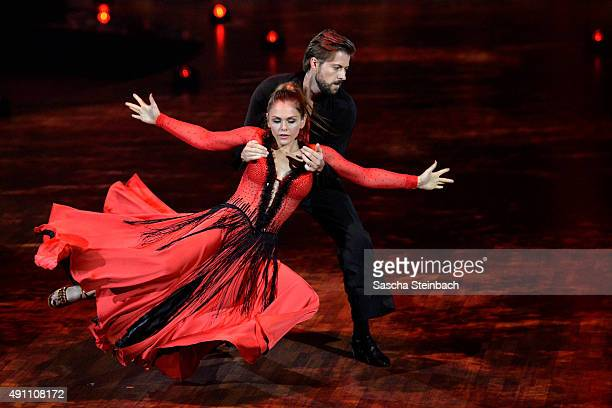 Oppdatert 60 Top Paso Doble Pictures, Photos and Images - Getty Images YA-91