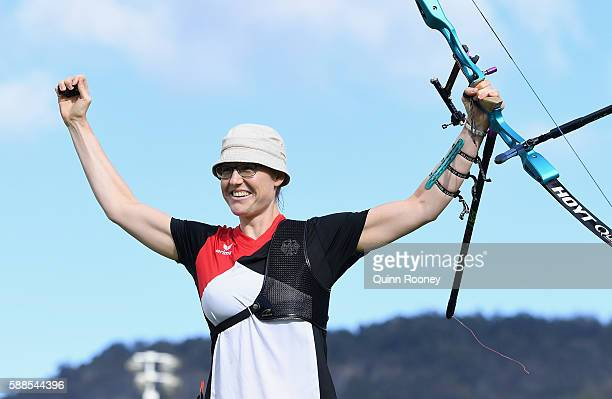 Lisa Unruh of Germany celebrates winning in the Women's Individual round of 4 Elimination Round on Day 6 of the Rio 2016 Oklympics at Sambodromo on...