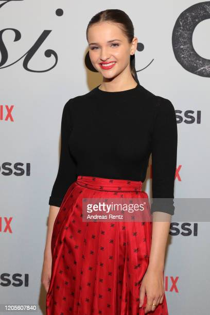 Lisa Vicari attends the premiere of the Netflix film Isi Ossi at Filmtheater am Friedrichshain on February 11 2020 in Berlin Germany