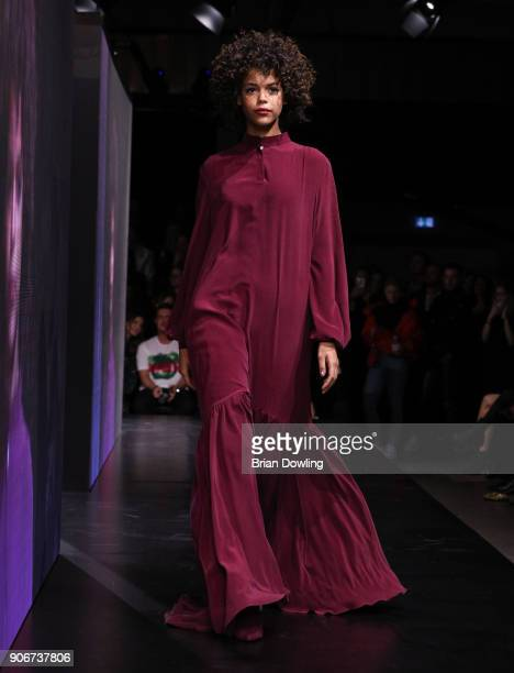 Lisa Washington walks the runway during the Maybelline Show 'Urban Catwalk Faces of New York' at Vollgutlager on January 18 2018 in Berlin Germany