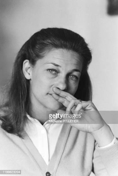 Élisabeth Badinter chez elle à Paris le 6 avril 1983 France