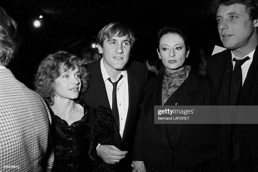Élisabeth Depardieu, Gérard Depardieu et Barbara en 1982 : News Photo