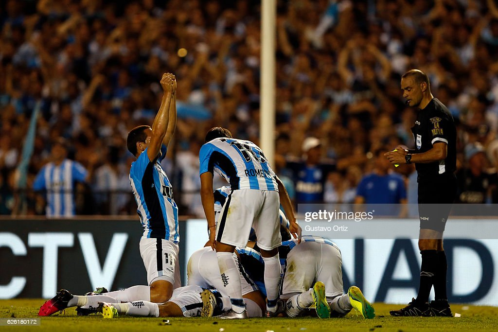Lisandro Lopez of Racing Club celebrates after scoring the first goal of his team during a match between Racing Club and Independiente as part of Torneo Primera Division 2016/17 at Presidente Peron Stadium on November 27, 2016 in Avellaneda, Argentina.
