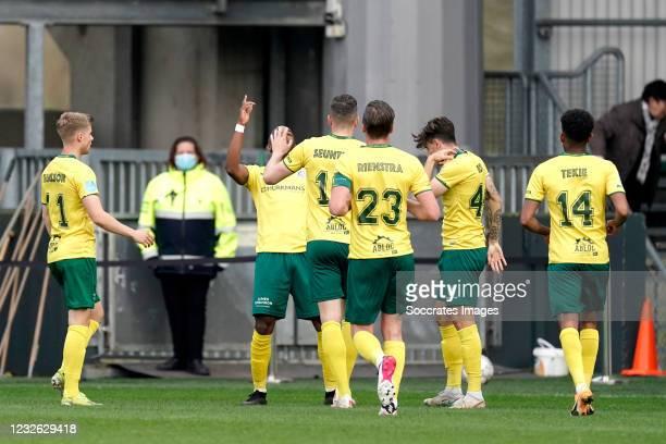 Lisandro Semedo of Fortuna Sittard celebrates 1-0 with Lazaros Rota of Fortuna Sittard, Mats Seuntjens of Fortuna Sittard, Ben Rienstra of Fortuna...