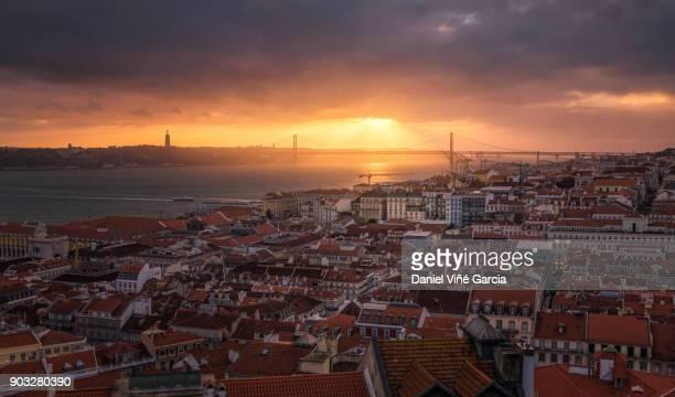 lisbon aerial panorama at sunset - statua di cristo re foto e immagini stock