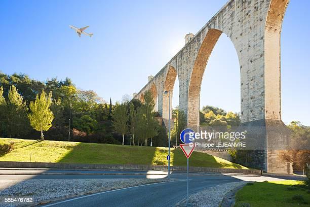 Lisbon Aqueduct and plane