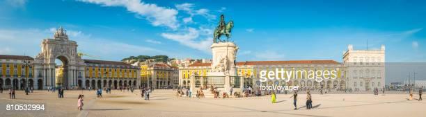 lisbon crowds of tourists enjoying sunshine praco do comercio portugal - praça do comércio imagens e fotografias de stock