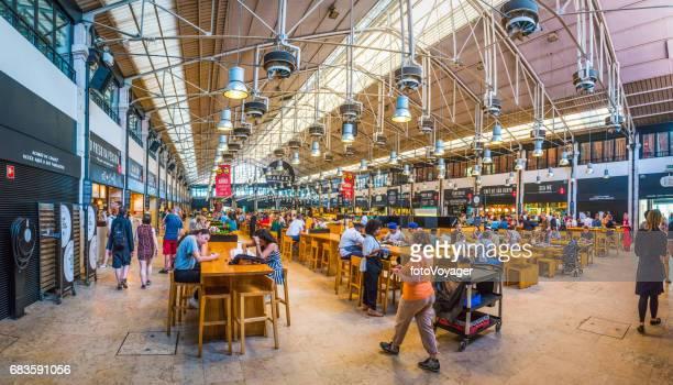 リスボン メルカード da riberia タイムアウト市場レストラン カフェ ポルトガル - バイシャ ストックフォトと画像