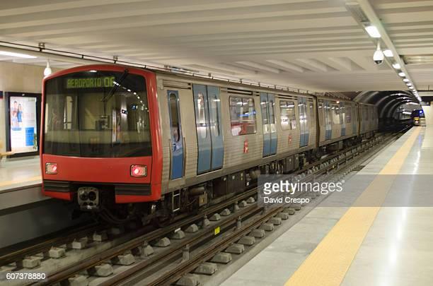 lisbon metro - cultura portuguesa fotografías e imágenes de stock