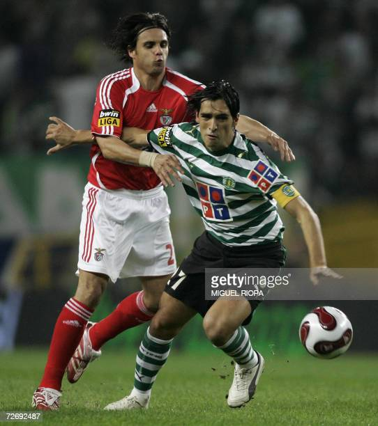 Sporting CPs Custodio Castro vies with SL Benfica's Nuno Gomes during their Portuguese Super League football match at the Alvalade Stadium in Lisbon...