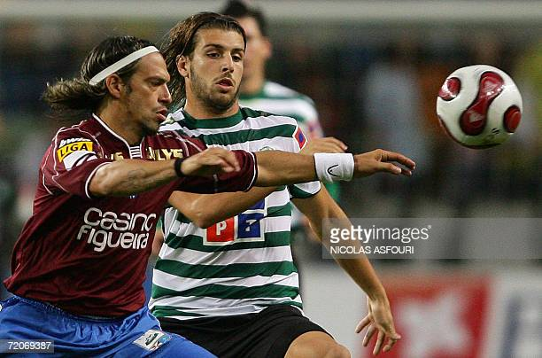 Sporting's Miguel Veloso vies with Leiria's Harison during their premier league football match at the Alvalade stadium in Lisbon 02 october 2006 AFP...