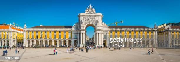 lisbon praca do comercio rua augusta arch landmark panorama portugal - lisbon portugal stock pictures, royalty-free photos & images